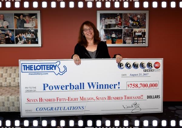 Mavis Wanczyk, Powerball winner